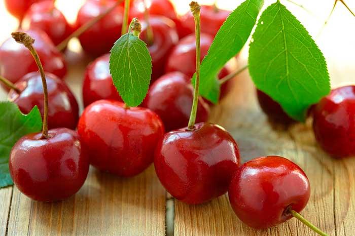 Сердечная ягода вишня