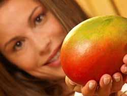 /recepty-domashnej-kosmetiki-iz-mango-recepty-masok-dlya-lica.html